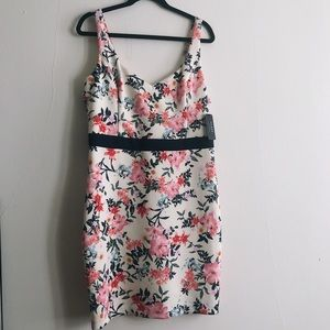 NWT!!! WOMENS'S GUESS DRESS 🌸